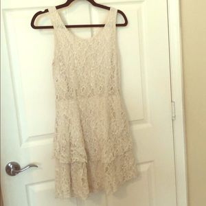Cream/ whit lace dress